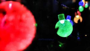 Des lampions colorés pour illustrer le témoignage client de Mathieu